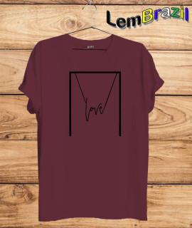 Camiseta Love LemBrazil. Agora a LemBrazil tem confecção própria! Camiseta 100% Algodão 30/1 fio penteado com reforço ombro a ombro, Camisetas de primeira linha, garantindo ainda mais durabilidade e conforto!