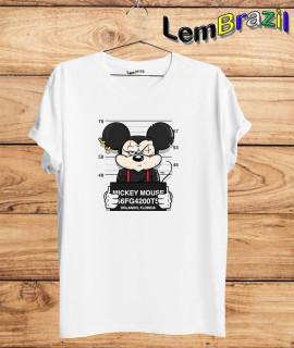 Camiseta Mickey Preso LemBrazil. Camiseta 100% Algodão personalizada com Impressão Digital garantindo maior durabilidade e conforto!