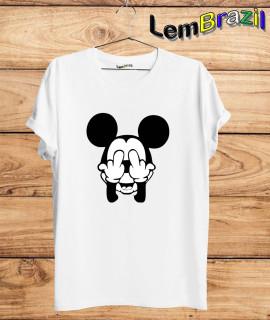 Camiseta Mickey Malandro LemBrazil. Camiseta 100% Algodão personalizada com Impressão Digital garantindo maior durabilidade e conforto!